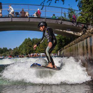 Surfen lernen an der Floßlände